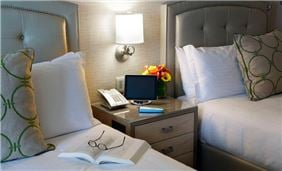 Deluxe Room Two Double Beds At Seaport Hotel And World Trade Center Boston