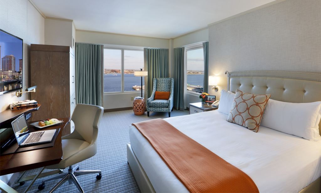 Rooms & Suites at Seaport Hotel & World Trade Center, Boston